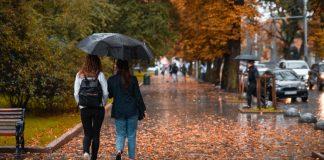 На Франківщину йде похолодання: очікуються дощі з грозами та шквали