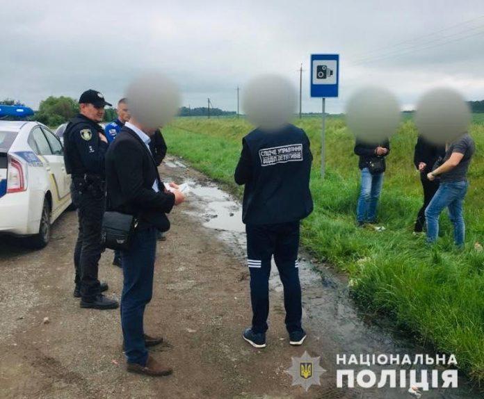 Прикарпатські поліціянти викрили наркобанду, яка виготовляла та збувала психотропи в особливо великих розмірах ФОТО