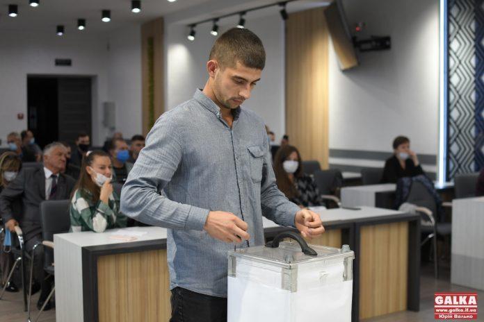 Стали відомі номери партій у бюлетені на виборах до Івано-Франківської міськради