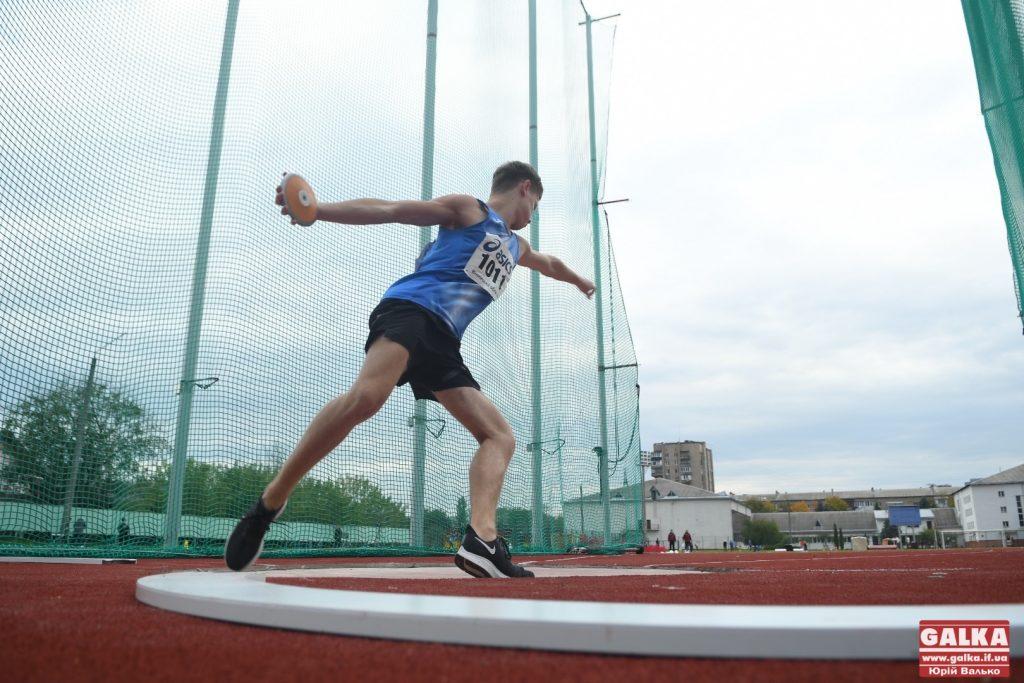 На оновленому франківському стадіоні стартував чемпіонат з легкої атлетики ФОТО