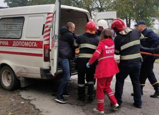 На Прикарпатті молодик за кермом «Мерседесу» сильно травмував велосипедистку