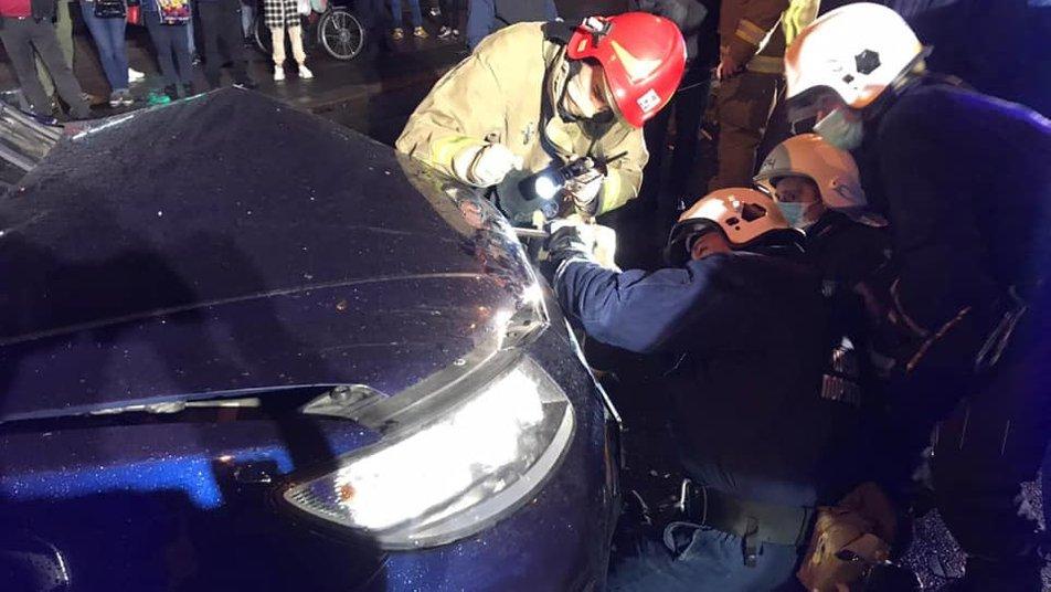 На Пасічній в жахливій ДТП, винуватцем якої є п'яний водій, травмувались двоє малолітніх - їх госпіталізували ФОТО