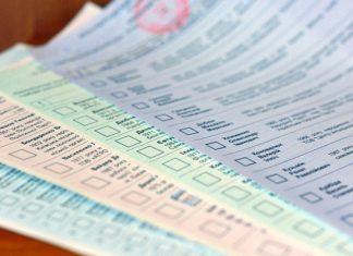 На Прикарпатті комісії перераховують бюлетені через скарги кандидатів та розбіжності в протоколах