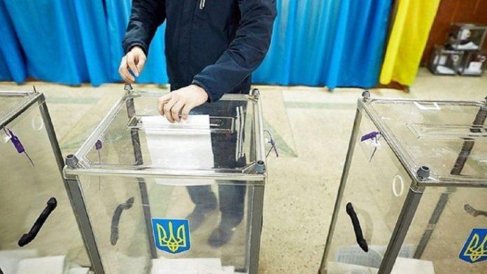 Явка на місцевих виборах була низькою: чому українці не прийшли голосувати