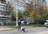 Страшна старість: у Франківську жінка з інвалідністю ледь не щодня повзе навколішках за харчами ФОТО