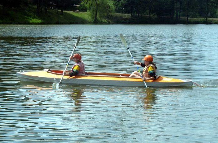 У Франківську під час змагань на озері спортсмен перевернувся у воду
