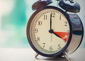 До уваги прикарпатців: коли потрібно перевести годинники на зимовий час