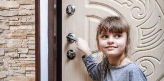 У одній із франківських квартир зачиниись маленькі діти