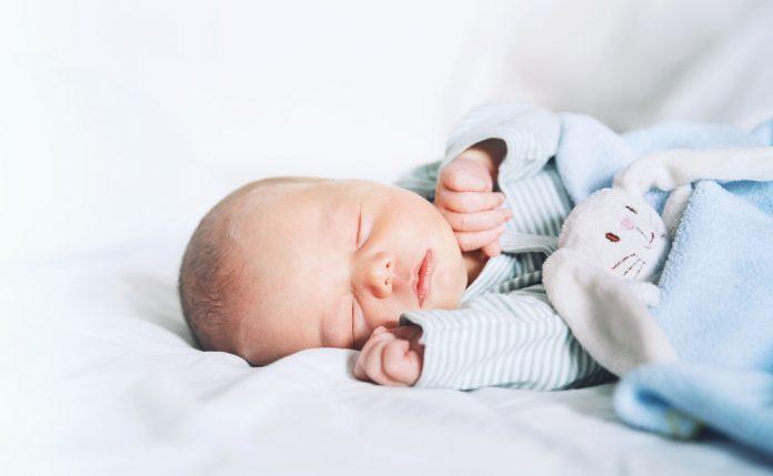 Як франківцям зареєструвати новонароджену дитину під час пандемії COVID-19 ВІДЕО