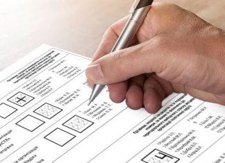 На Франківщині виборцям, які голосують вдома, видали не ті бюлетені