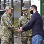Колектив Центрального ринку привітав бійців 10-ї гірсько-штурмової бригади ЗСУ
