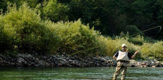 Прикарпатські рятувальники ганяли підлітків, які рибалили без нагляду дорослих