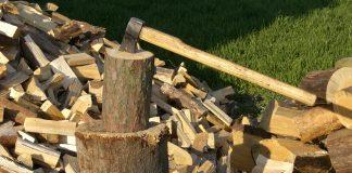 На Прикарпатті з'явилися шахраї, які начебто продають дрова