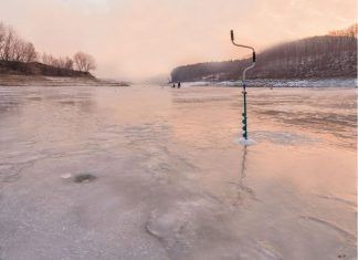 До уваги прикарпатців: де не можна рибалити взимку