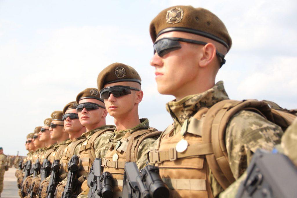 Від початку року майже тисяча прикарпатців уклали контракт із Збройними силами