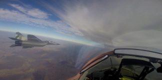 Пілоти влаштували повітряні бої в небі над Прикарпаттям ФОТО