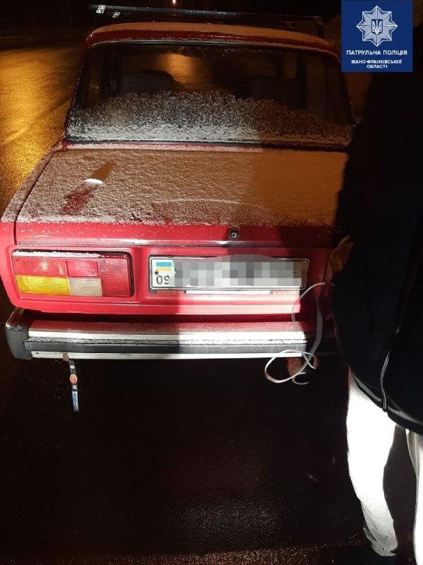 В Івано-Франківську неповнолітній юнак викрав чуже авто - його затримала поліція ФОТО
