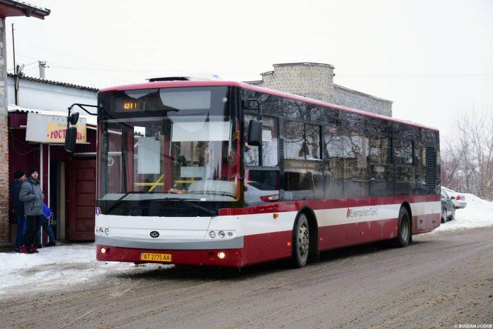 Стали відомими детальні маршрути нових автобусних рейсів, які запускають завтра