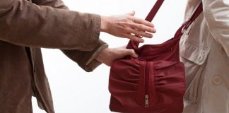 До чотирьох років ув'язнення засудили прикарпатця, який грабував жінок