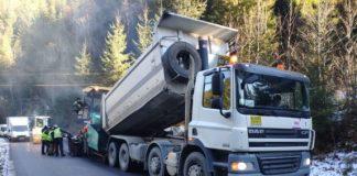 В Карпатах триває ремонт доріг