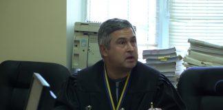 Суддя, який виносив рішення у «справі рюкзаків Авакова», їздив до нього за подарунками. Відео