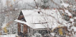 Курортне Яремче перетворилося на зимову казку