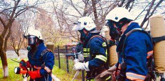 Богородчанські рятувальники провели заняття в теплодимокамері ФОТО