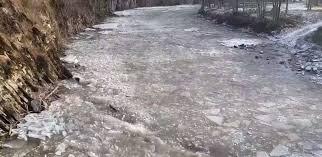 На карпатських ріках пройшов перший у цьому сезоні льодохід