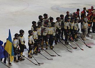 Прикарпатські хокеїсти успішно виступають на турнірі «Карпатська хокейна ліга»