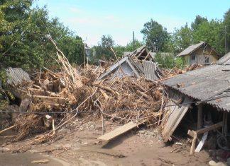 Після літньої повені мешканці Ланчина й надалі залишаються незахищеними від нових потопів