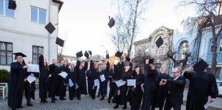 Випускники-магістри ІФНТУНГу отримали дипломи