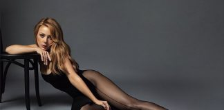 Сексуальна Тіна Кароль підкорила мережу оголеним фото
