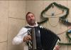 """""""Хто хворів на ковід, вставай, наливай"""": українці співають пісні про карантинні реалії"""
