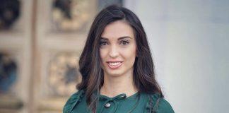 Зе-депутатка Ольга Коваль прийшла у Верховну Раду з сумкою з шкіри молодого ягнятка за 158 тисяч гривень. Фото
