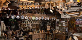 Батько із сином створили у Яремче цікавий музей старожитностей «Альпеншток»