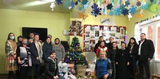 Студенти передали допомогу дітям з інвалідністю в Долині ФОТО