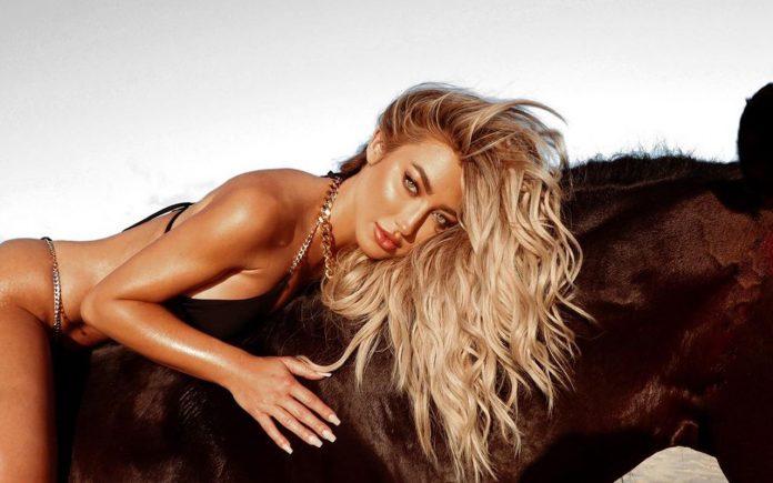 Зірка Playboy знялася в еротичній нижній білизні. Фото 18+