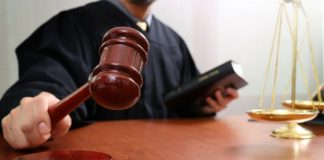 Суд визнав невинуватим податківця з Франківщини, якого звинувачували у хабарі