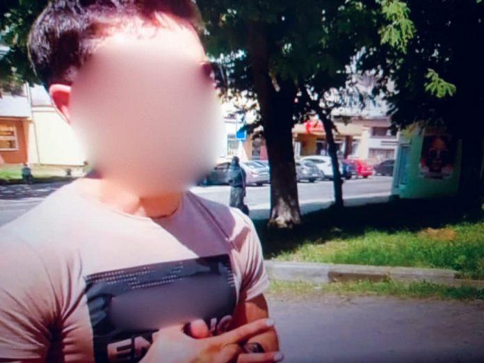 У Калуші водій-порушник намагався відкупитись від поліцейським ФОТО
